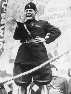 Mussolini vieta il gerundio
